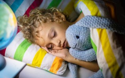 Ontdek hoe je de kinderkamer inricht met aandacht voor prikkelverwerking en daarmee de nachtrust verbetert